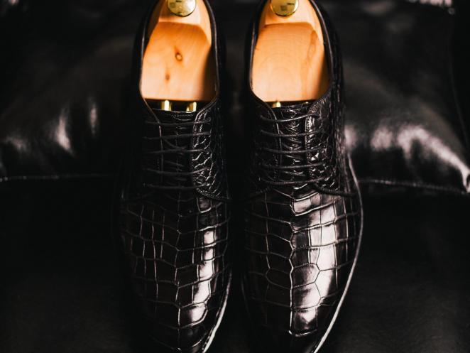 Как отличить обувь из настоящей кожи крокодила
